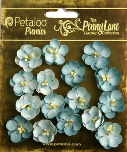 Forget-Me-Nots-ROBYN-EGG-BLUE-16-Paper-Flowers-20-24mm-across-Penny-Lane-Petaloo