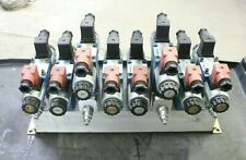 8 Port Open Center Hydraulic Manifold With Rexroth Valves