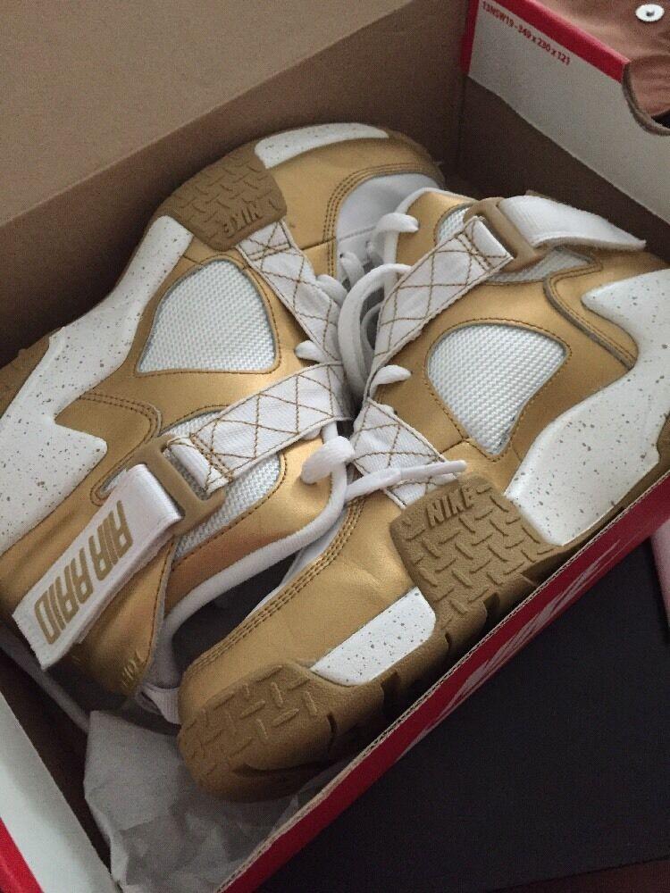 Nike air raid metallico oro 9.5 / uomini bianchi, dimensioni 9.5 oro 6d8305
