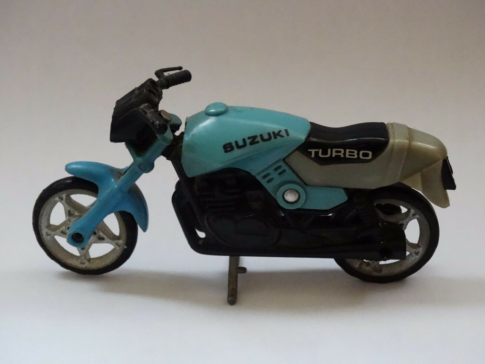 para proporcionarle una compra en línea agradable Vintage Moto Suzuki súper Raro Raro Raro Juguete De Juguete, clave que falta   Descuento del 70% barato