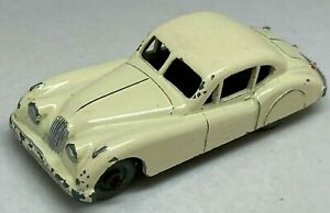 Matchbox-Lesney-No-32-Jaguar-XK140-in-Cream