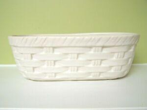 MCCOY VINTAGE WHITE CERAMIC BASKET BASKETWEAVE PLANTER BREAD BOWL #586