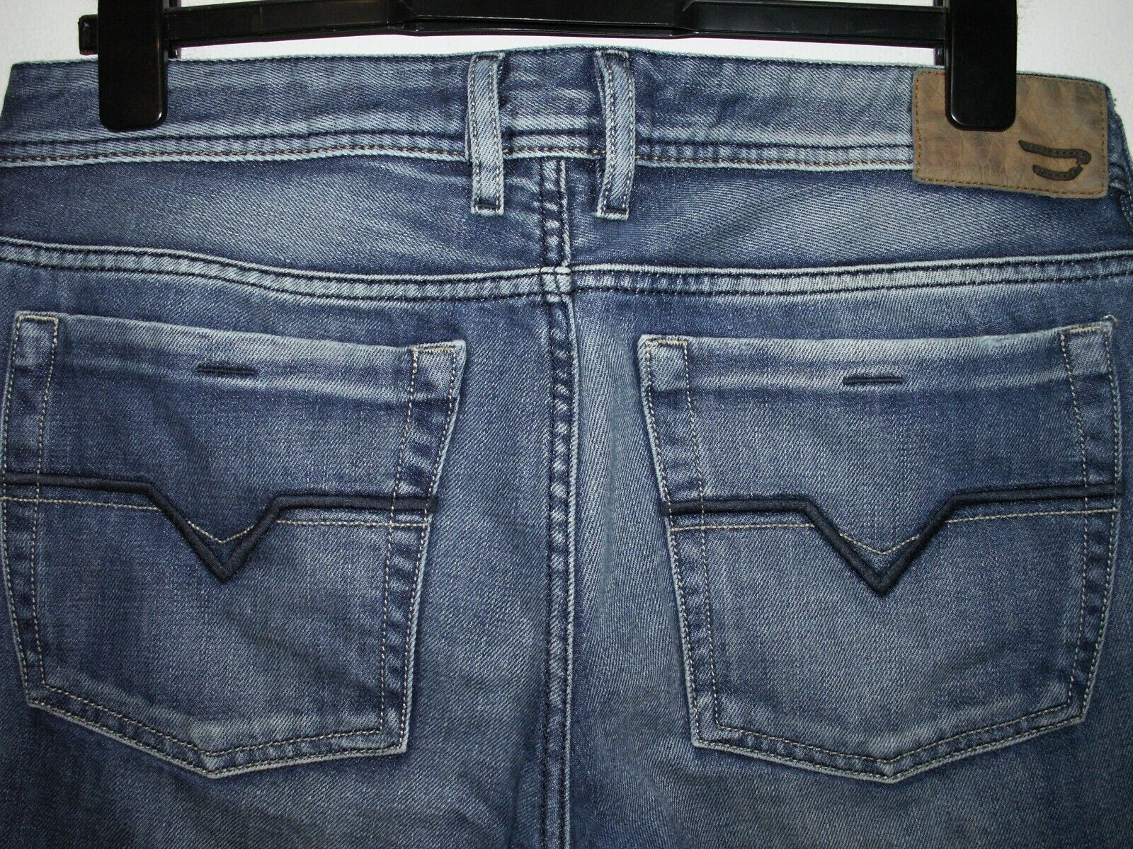 99a51a75 DIESEL ZATHAN BOOTCUT JEANS 008AT W32 L30 (5991) nsrhep4077-Jeans