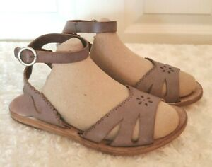 Pedro Garcia Womens Size 5.5M Taupe Brown Leather Sandals Flats Ankle Straps