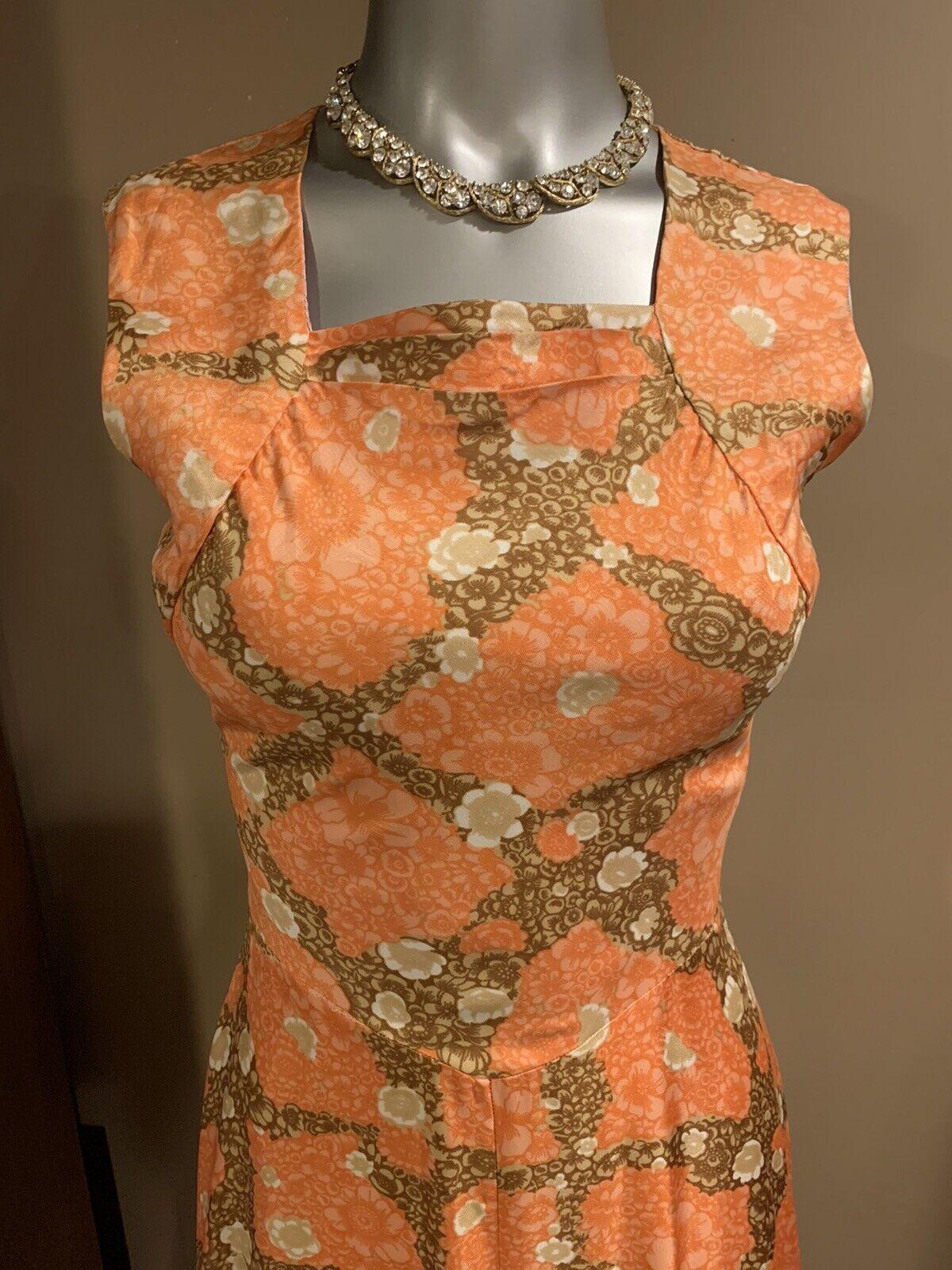 Elegant 1940's Fabulous Dress - image 8