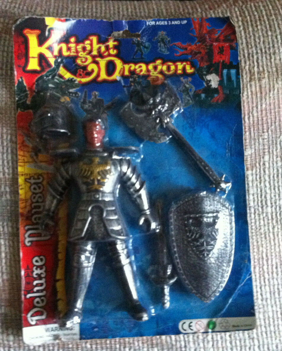VINTAGE KNIGHT & DRAGON DELUXE PLAYSET 9  KNIGHT MOC STYLE  2 FUN-TASTIC