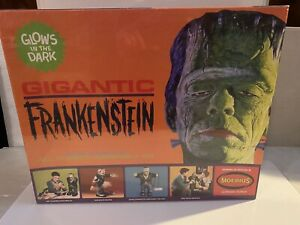Moebius-Models-Glow-In-The-Dark-Gigantic-Frankenstein-Model-Kit-MB