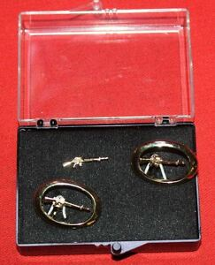COLT-Firearms-Factory-M16-cuff-links-amp-Tie-Pin-Gold-Plate-Mint-Rare