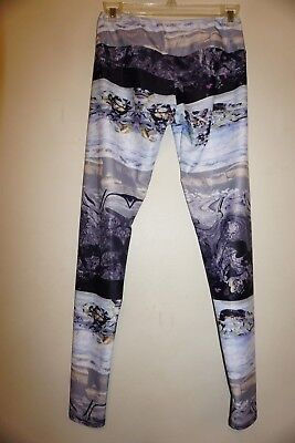 Search For Flights Onzie Hot Yoga Legging #209 Size S/m Arctic Print Nwt Chills And Pains Women's Clothing