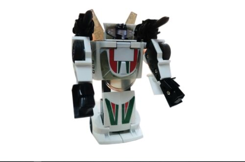Transformer G1 Wheeljack reissue  boxed brand new