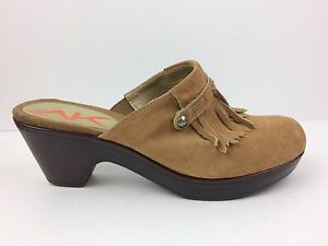 ANNE-KLEIN-Tan-Fringed-Clogs-Size-7