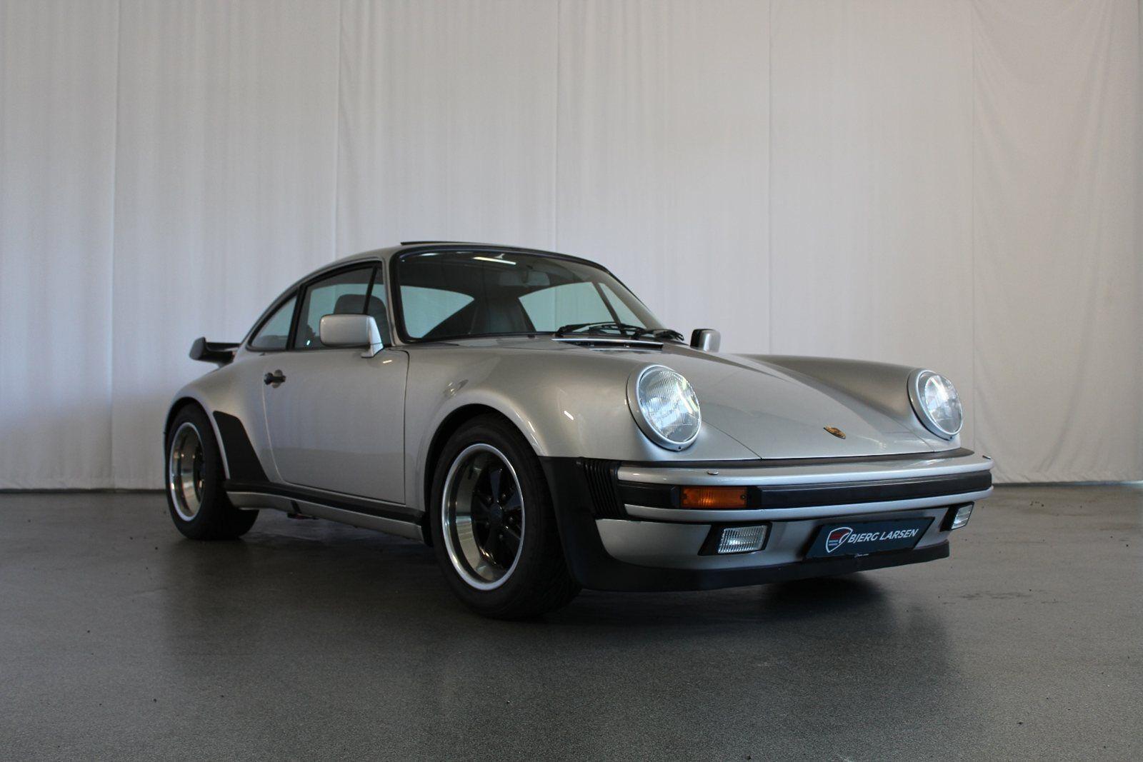 Porsche 911 3,3 Turbo 2d - 3.996 kr.