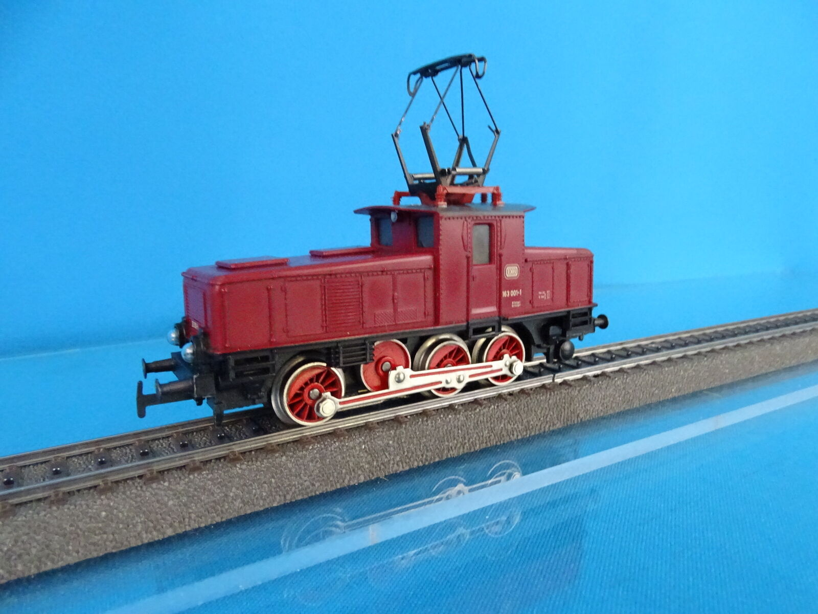 Marklin 3001 DB Electric Locomotive Br 63 rosso version 20 nr. 163 0011