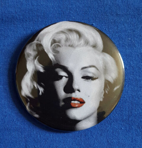 58mm diameter traditional Button Badge Marilyn Monroe