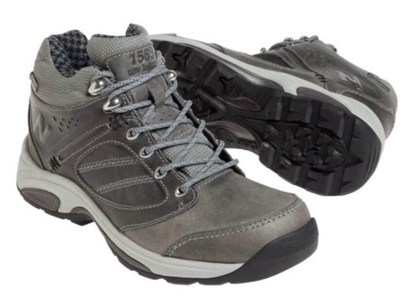 New Balance Walking   Hiking Boots 1569 Size 6B Gore-Tex  WW1569GR