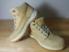 Womens walking boots size 5.5 Nike ACG wheat lace up All Condition hiking shoes.