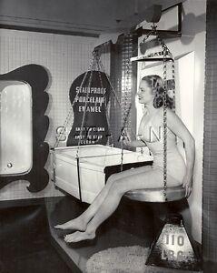 Naked girls vintage bathtub nud xxx