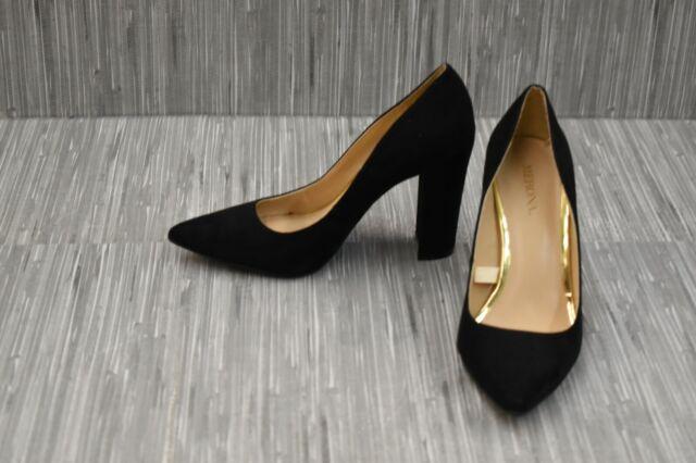 black pumps size 5.5