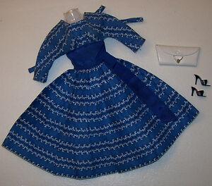 Vintage Barbie Let's Dance Crisp Robe Bleue #978 & Noir Chaussures Blanches