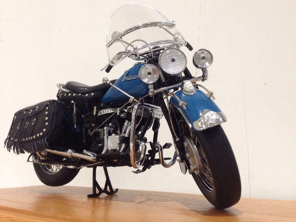 1948 Capo Indiano stradacorrerener classeico Motocicletta  BASE IN LEGNO MASSELLO VETRINA Nuovo di zecca con scatola