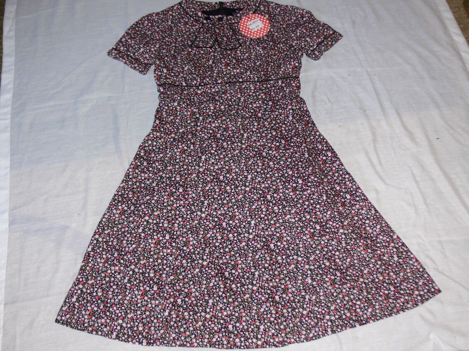 New With Tag, Woherren Vintage Style Dolly and Dotty Floral Dress, Größe 12,