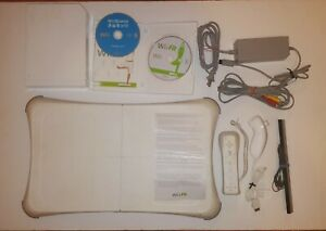 Nintendo Wii CONSOLE Wii Fit Balance Board Lot Biggest Loser + other games + bag