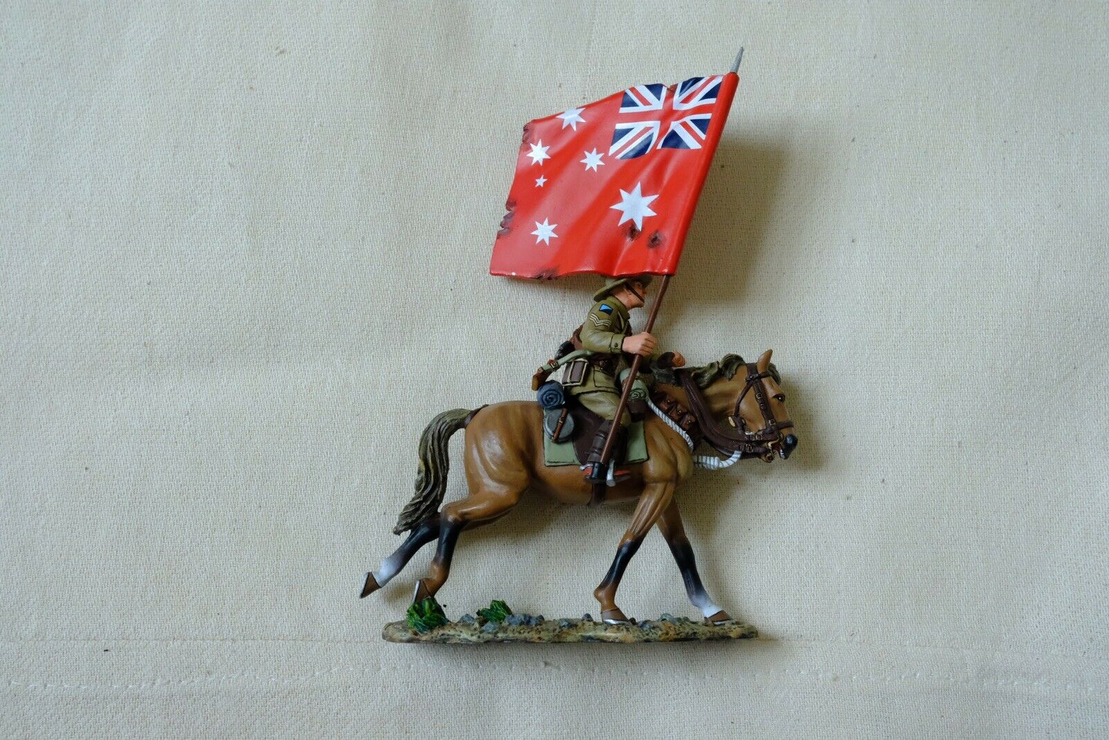 King And And Country Australian Light Horse AL07A Red Ensign Flag Horse Soldier