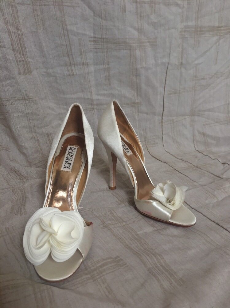 Badgley Mischka White Satin, Donna Shoes, Size 8m