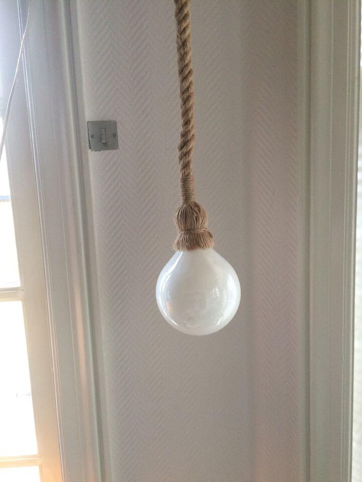 Anden loftslampe, Tov. Hampe reb.