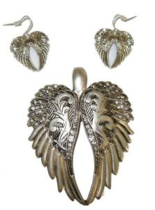 New-Burnished-Silver-amp-Crystal-Angel-Wings-Chunky-Pendant-amp-Earring-Set