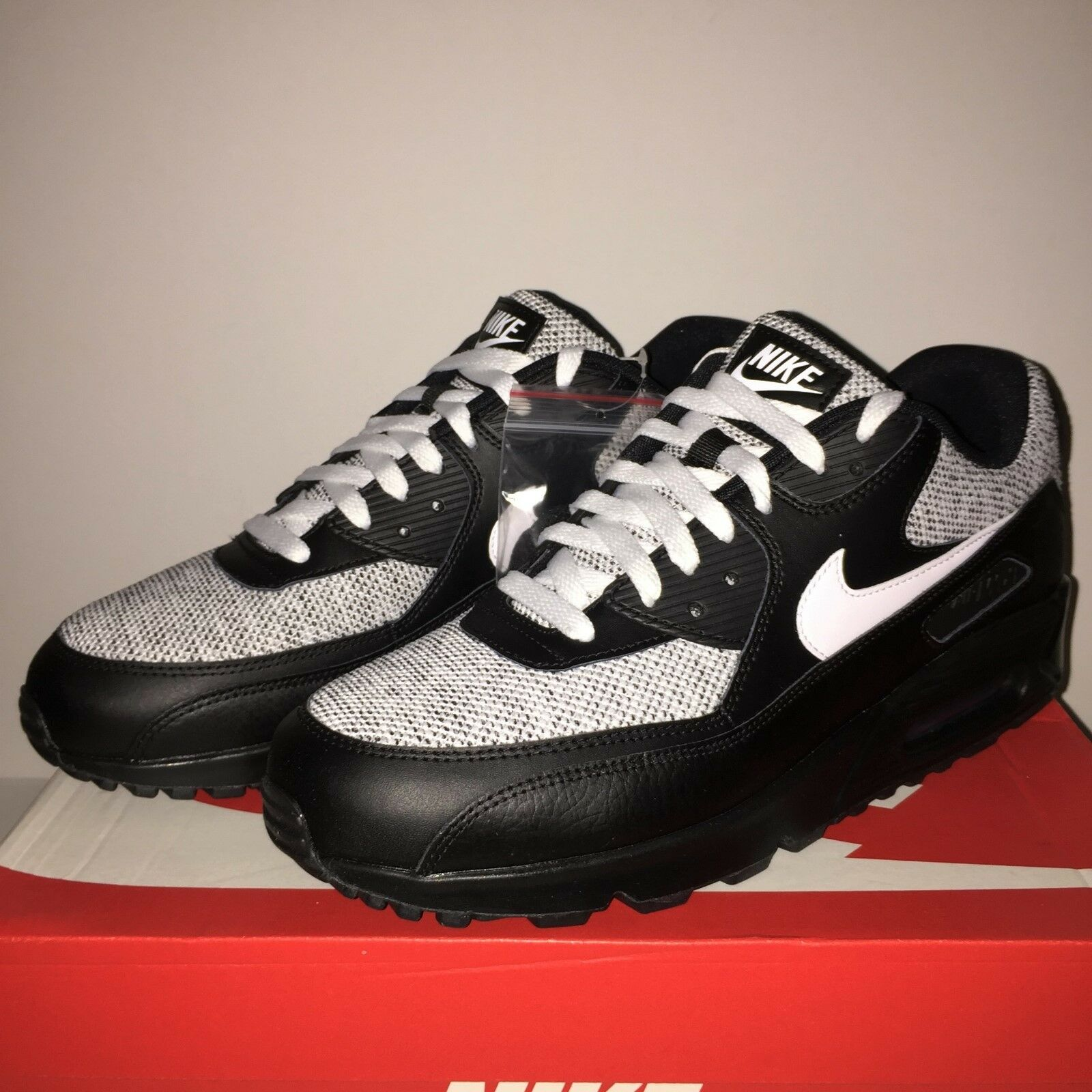 Nike Air Max 90 Essential UK 10  Eur 45 - Brand New (537384 079)