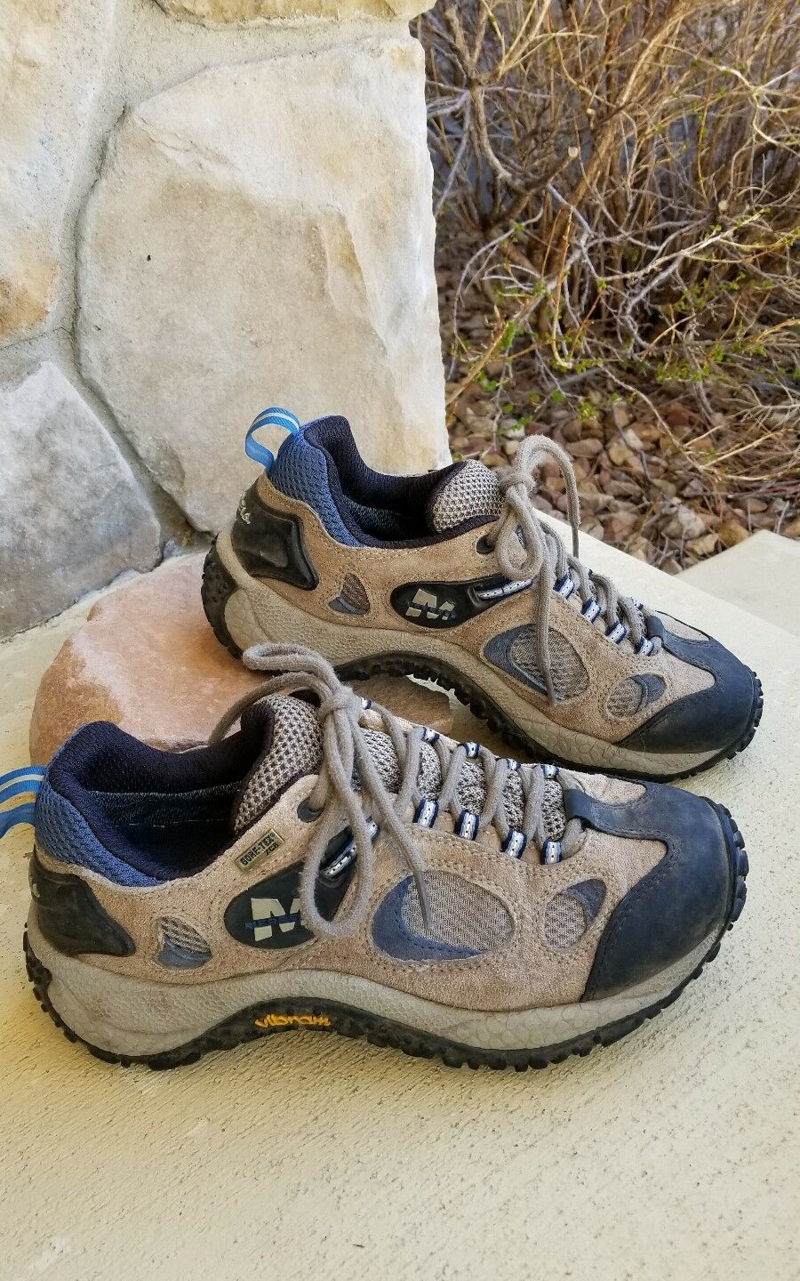 Size 8.5 womens Merrell brown hiking shoe