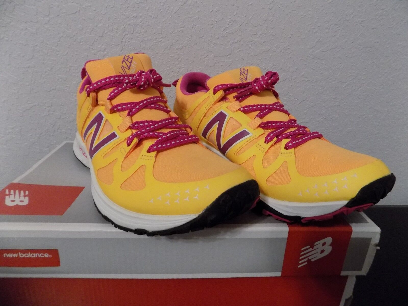 New Balance WXAglia Women's 9 med Vazee Agility orange Purple Running shoes NIB