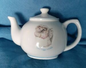 Beatrix-Potter-Collectable-Mini-Teapot-Mrs-Tiggy-Winkle-never-used