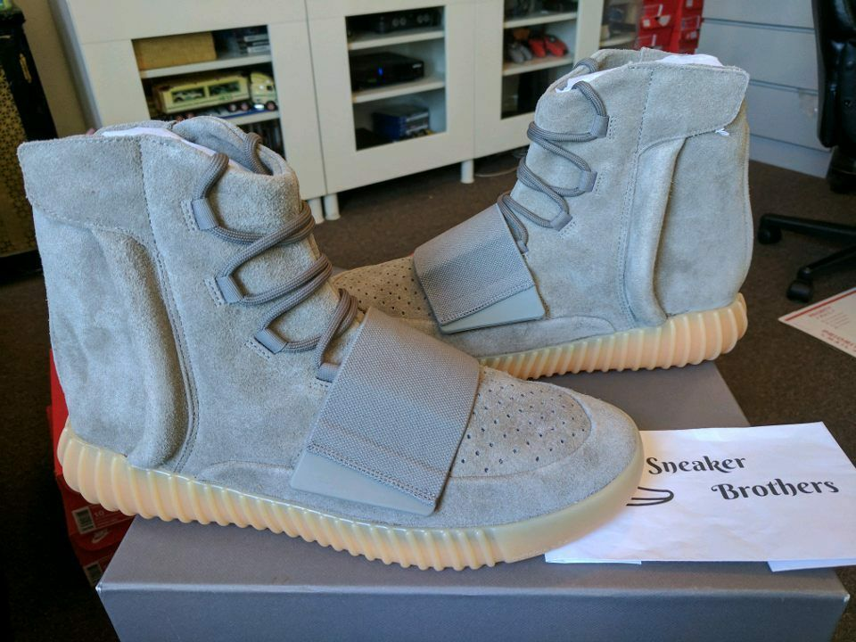 Adidas Yeezy Boost 750 Gum Light Grey Glow Dark Kanye West BB1840 Chocolate Core