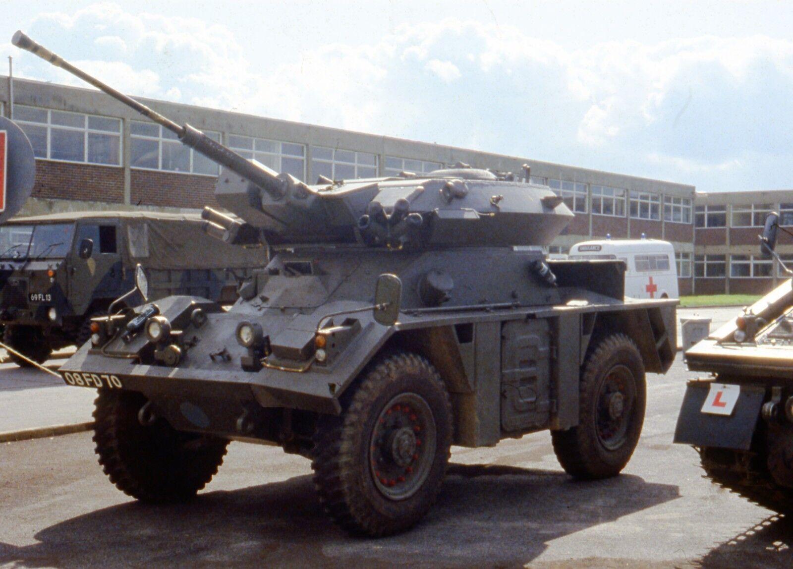 BRITISH ARMY ALVIS FV721 Fox   Photo Print