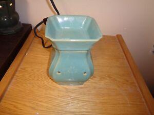 USED-Vintage-Turquoise-Wax-Warmer