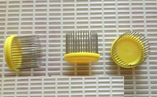 2PCS Beekeeping Equipment Stainless steel Cage For Queen Bees
