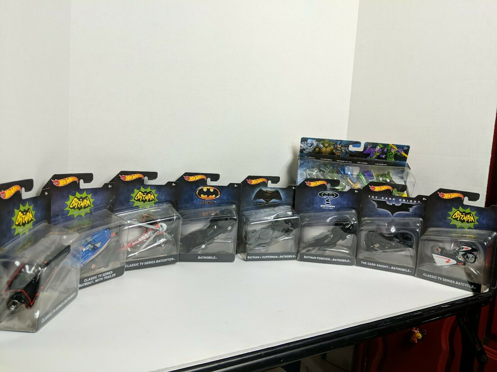 nuovo In Package BATuomo caliente ruedas Set di 8  bouns Pack. BATuomo FOREVER Batmobile, BATMOBILE