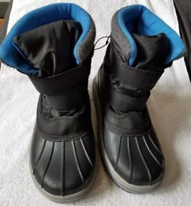 Details about Cat & Jack Thermolite Boys Winter Snow Boots SZ 5 New