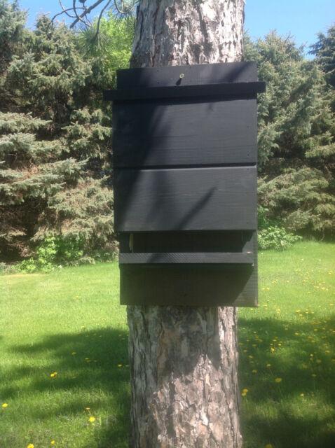 ^v^ ^v^ LARGE BLACK KEVLAR LINED BAT HOUSE BOX WITH PREDATOR GUARD