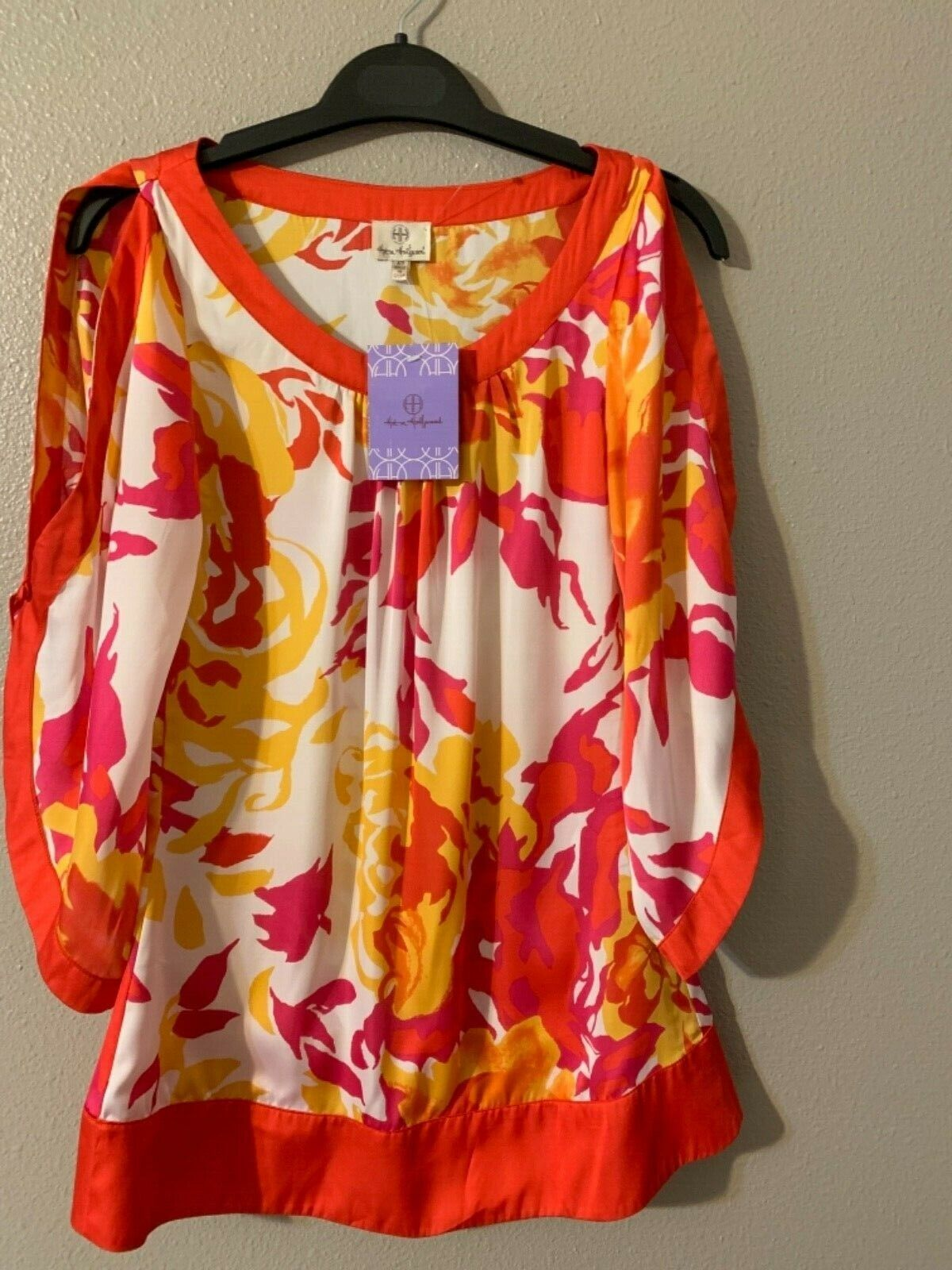 Anthropologie Hot in Hollywood Open Cold Shoulder Top XS NWT ^