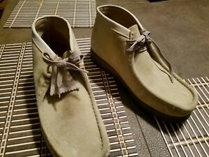 fbc875ea1bb Details about Mens Wallabees, gently used, shoes size 9 beige
