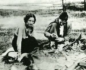American-Gangsters-Bonnie-and-Clyde-in-1933-8-034-x-10-034-Photo-Picture-55