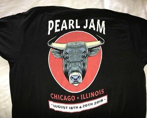 sports shoes a30b0 5cb38 Details about PEARL JAM - Chicago Bull Logo Event T-SHIRT Size XL 2018 away  shows wrigley