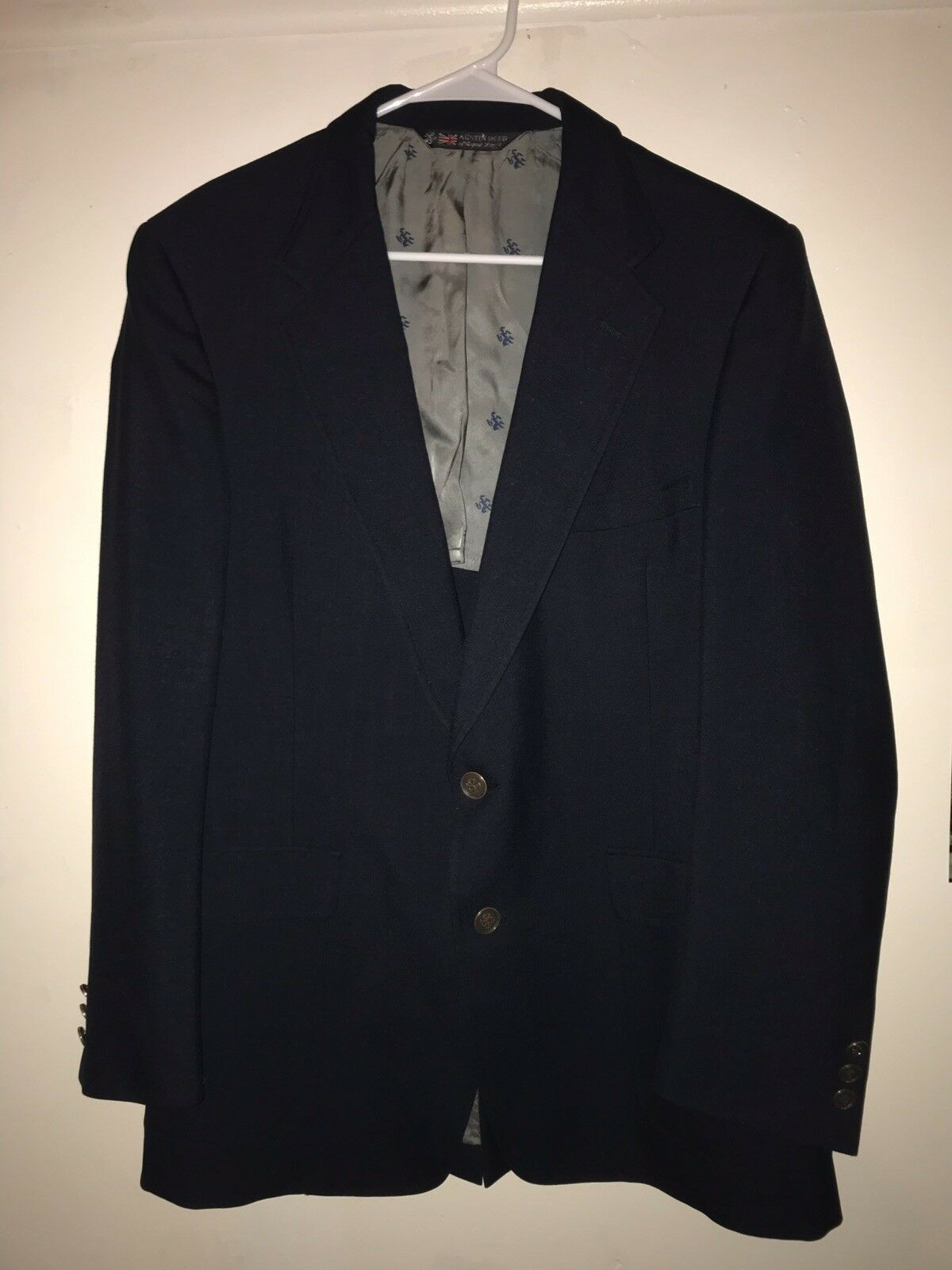 AUSTIN REED navy bluee blazer two gold buttons mans 44R