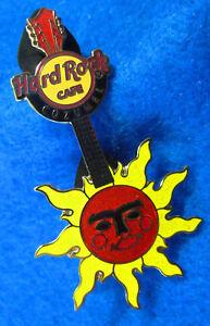 Cozumel-Messico-Rosso-Centro-Sole-Viso-Chitarra-Rigida-Rock-Cafe-Spilla-Le