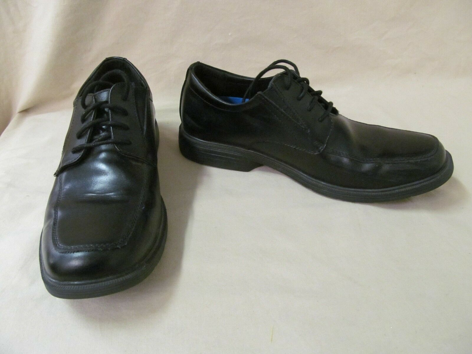 Used Men's Skechers 7.5 M Black Leather Relaxed Fit Caswell 64615 BLK Oxfords