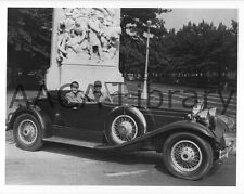 1930 Durant Car Factory Photo Durant 614 Roadster /& W.C Ref. #39862
