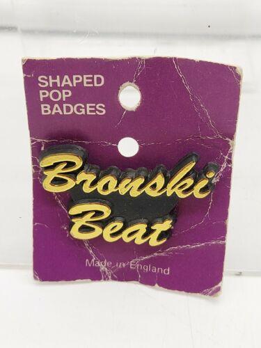 VINTAGE PLASTIC BADGE PIN BADGE ORIGINAL OLD SHOP STOCK BRONSKI BEAT